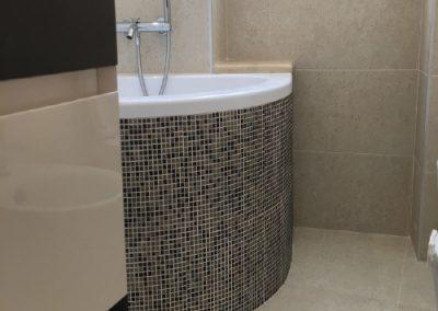 rifacimento-bagno-roma-rivestimento-vasca-in-mosaico