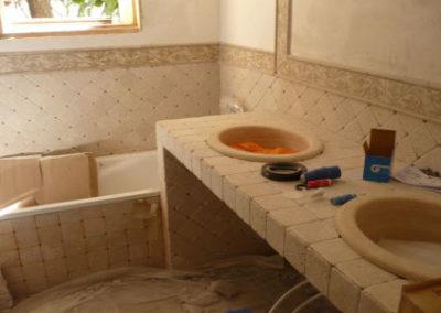 Smantellamento rivestimento ceramico bagno cucina roma 12 00 mq - Stuccare piastrelle bagno ...