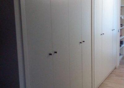 armadi in legno su misura corridoio
