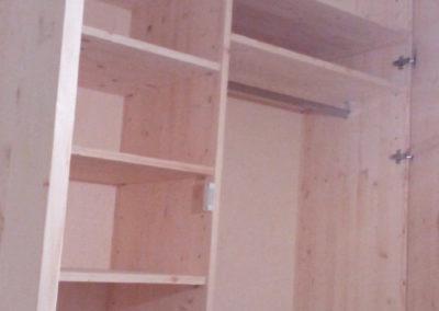 armadi su misura interamente in legno